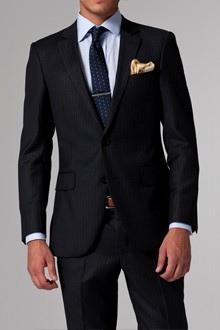 Костюмы мужские приталенные это классический вариант английского костюма. . Они отличаются простотой и элегантностью
